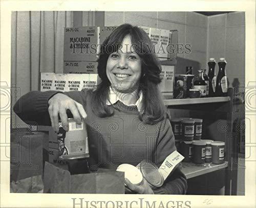 Vintage Photos 1985 Marjorie Morgan Coordinates Milwaukee Emergency Food Pantry